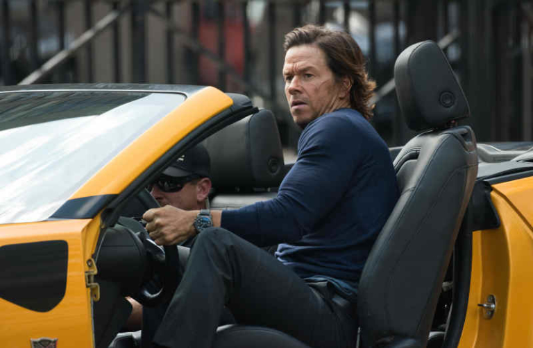 Mark Wahlberg sur le tournage de Transformers 5 à Detroit, le 23 juillet 2016 © Mark Bialek via Bestimage  | 00305386